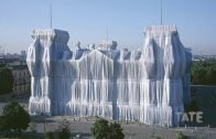 Christo and Jeanne-Claude Wrap Up the Reichstag | Lost Art